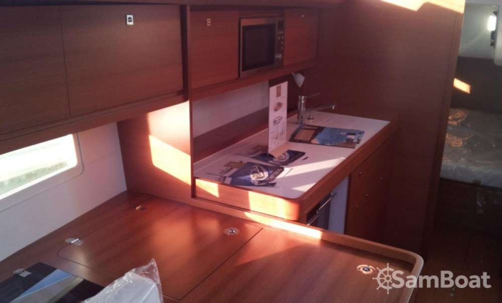 Rent a Dufour Dufour 410 Grand Large Reggio Calabria