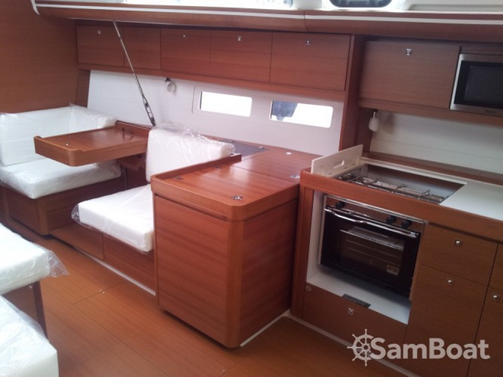 Boat rental Dufour Dufour 410 Grand Large in Reggio Calabria on Samboat