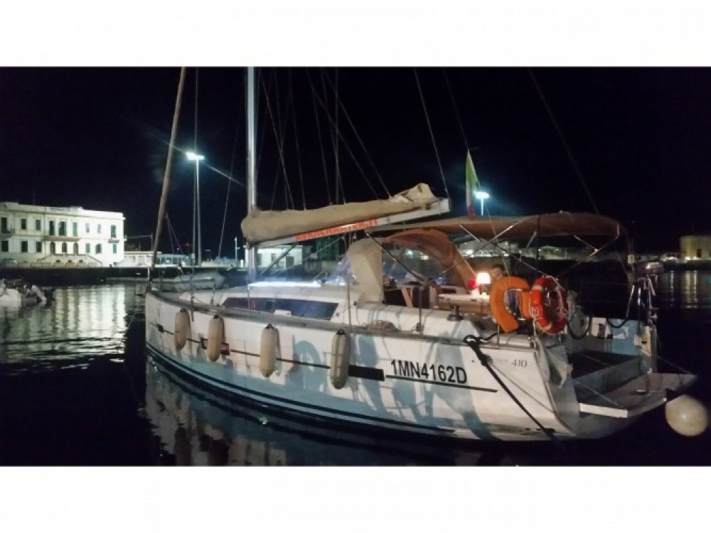 Sailboat for rent Reggio Calabria at the best price