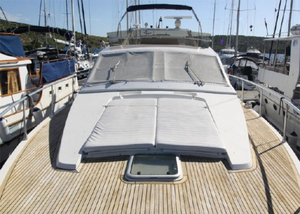 Hire Motorboat with or without skipper Ferretti-49 Primošten