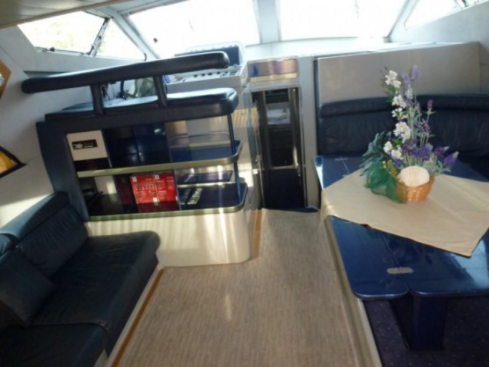 Motorboat for rent Primošten at the best price