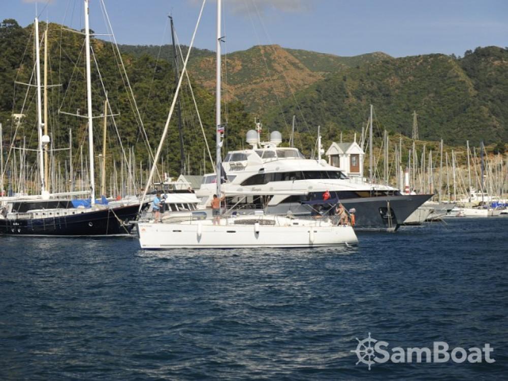 Rental Sailboat in Marmaris - Bénéteau Oceanis 43