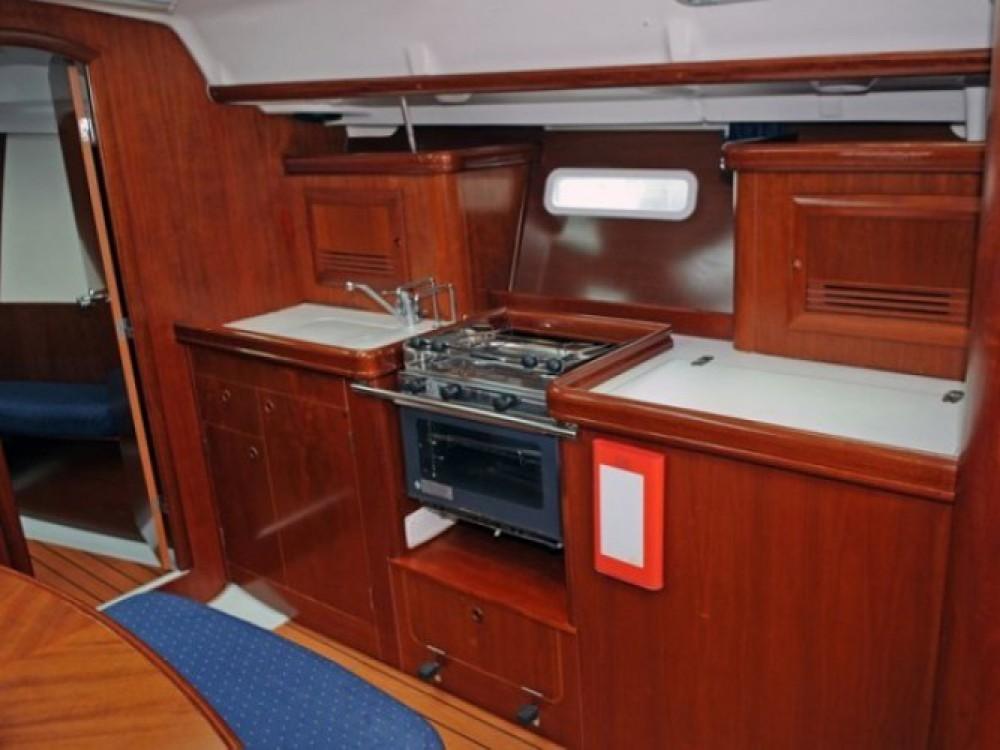 Boat rental Bénéteau Oceanis 393 in Marmaris on Samboat