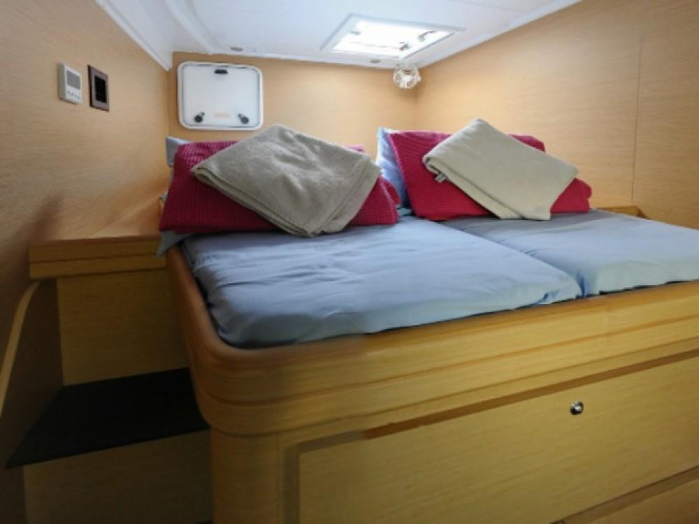 Rental Catamaran in Marmaris - Lagoon Lagoon 421