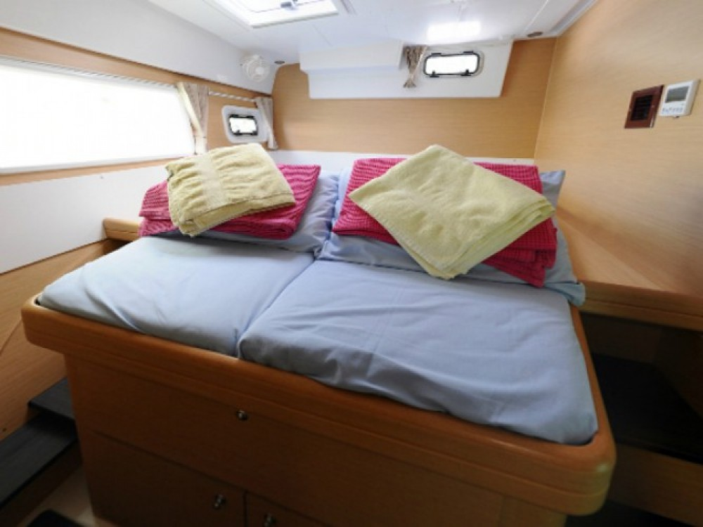 Boat rental Marmaris cheap Lagoon 421