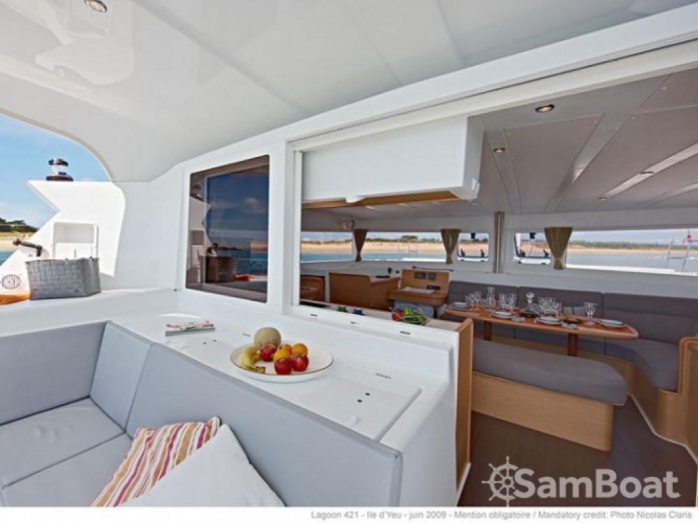 Boat rental Lagoon Lagoon 421 in Marmaris on Samboat