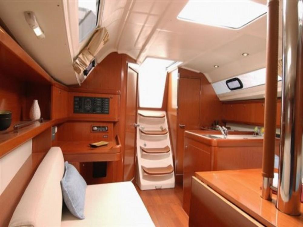Rental yacht Trogir - Bénéteau Oceanis 31 on SamBoat