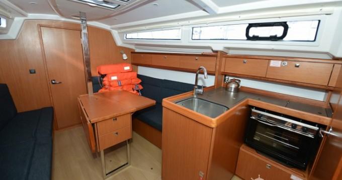 Boat rental Bavaria Cruiser 33 in Biograd na Moru on Samboat