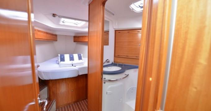 Rental yacht Pirovac - Bavaria Bavaria 40 Cruiser on SamBoat