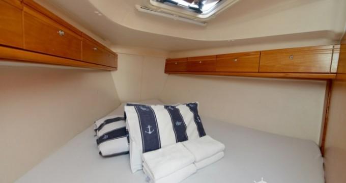 Rental yacht Pirovac - Bavaria Bavaria 37 Cruiser on SamBoat