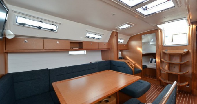 Rent a Bavaria Cruiser 40 Biograd na Moru