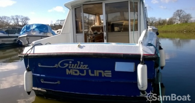 Hire Canal boat with or without skipper Bounty-Boats Messac