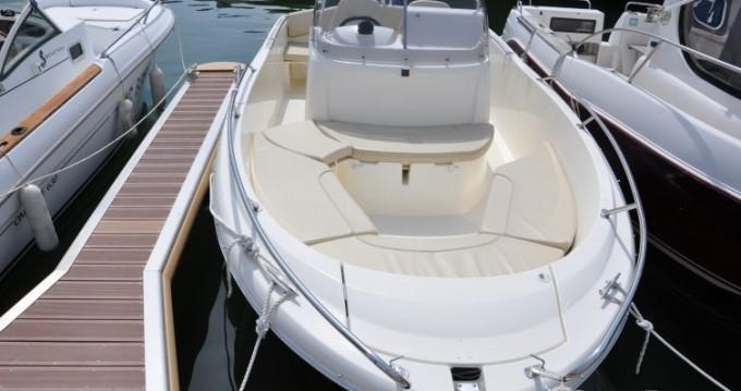 Rental Motorboat in Arcachon - Jeanneau Cap Camarat 635