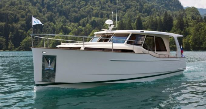Rental yacht Biel/Bienne - Greenline Greenline 33 on SamBoat