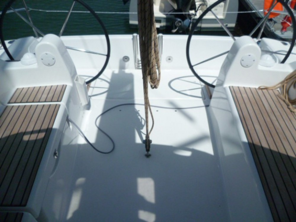 Rental Sailboat in Arzon - Dufour Dufour 310