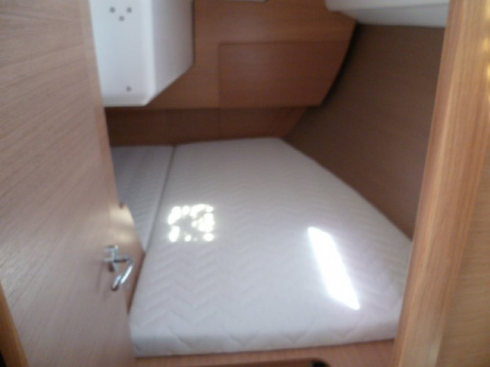 Boat rental Dufour Dufour 310 in Arzon on Samboat