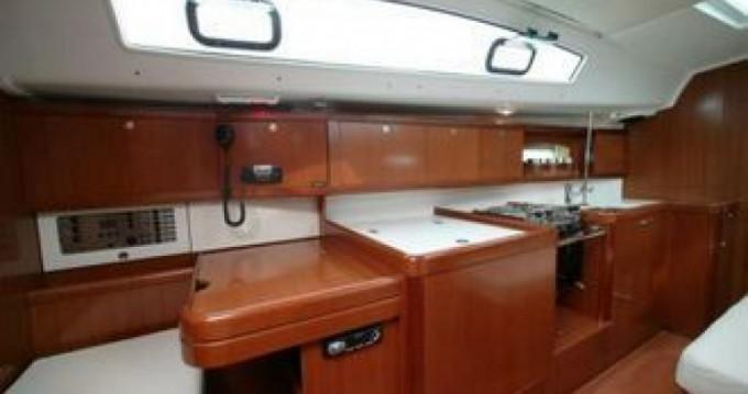 Rental yacht La Grande-Motte - Bénéteau Oceanis 40 on SamBoat