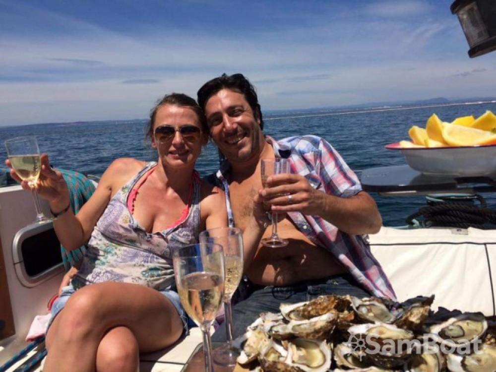 Rental Sailboat in La Grande-Motte - Bénéteau Oceanis 40