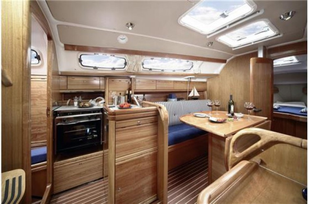 Hire Sailboat with or without skipper Bavaria Arzon