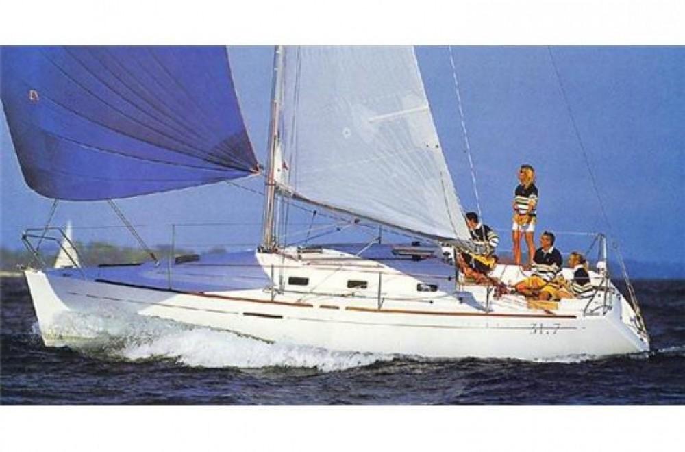 Rental Sailboat in Arzon - Bénéteau First 31.7