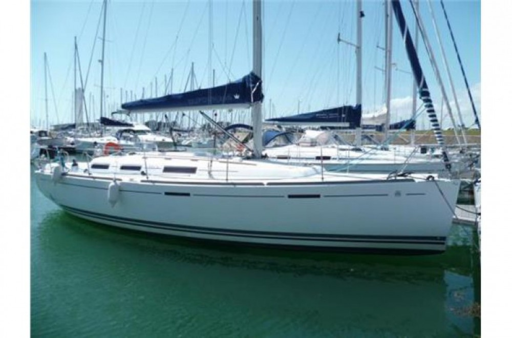 Rental Sailboat in Arzon - Dufour 365