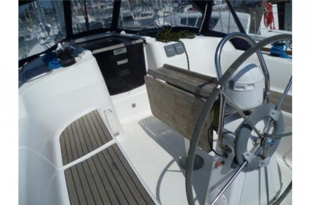 Boat rental Arzon cheap 365