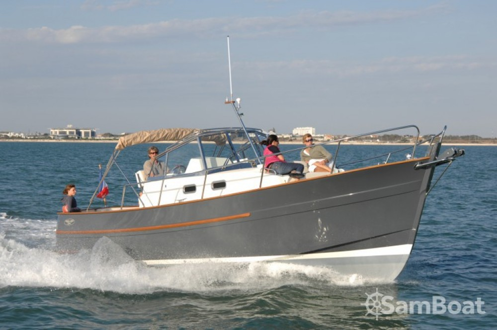 Hire Motorboat with or without skipper Rhea Arzon