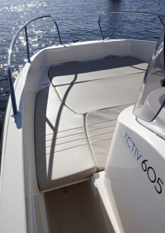 Rental Motorboat in Marseille - Quicksilver Activ 605 Open