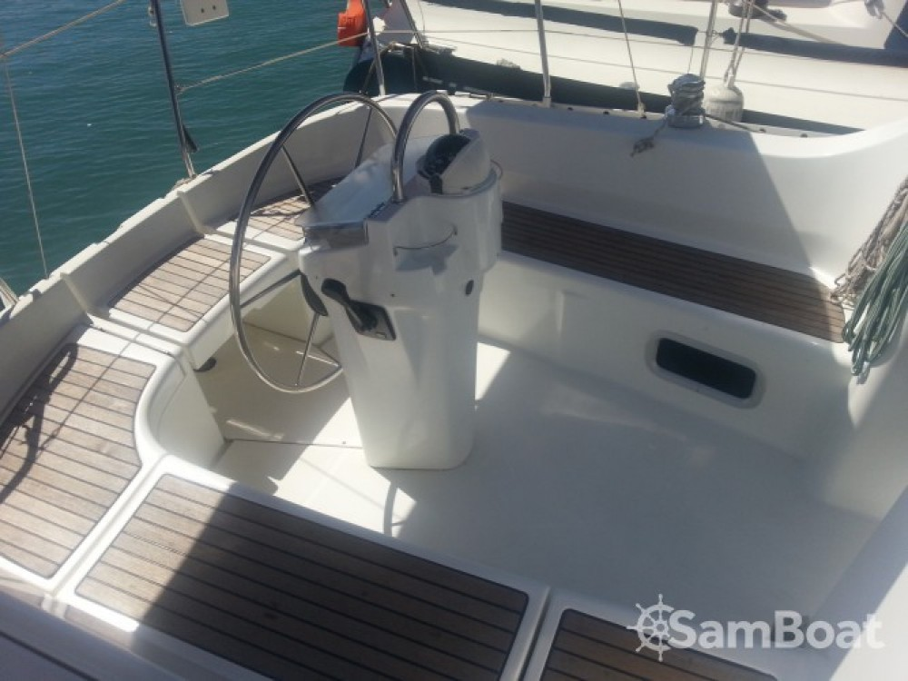 Bénéteau Oceanis 311 Clipper between personal and professional Ibiza