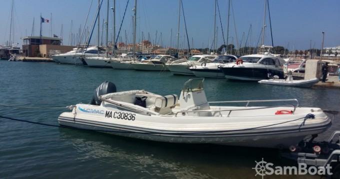 Boat rental Lomac Lomac 670 IN in Hyères on Samboat