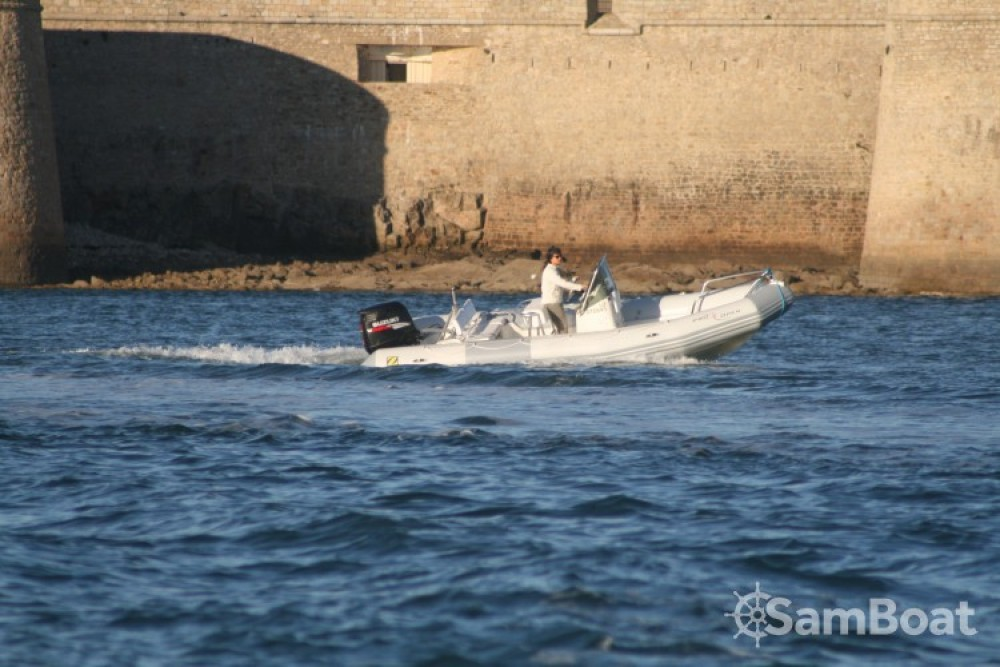 Zodiac Pro Open between personal and professional Port-Louis