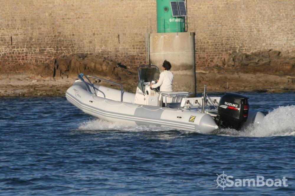 Boat rental Zodiac Pro Open in Port-Louis on Samboat