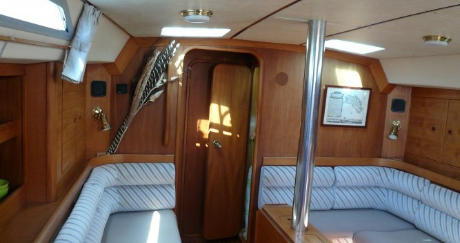 Rental Sailboat in Gruissan - Moody 422cc