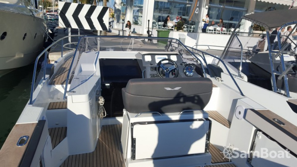 Boat rental Bénéteau Flyer 8.8 SUNdeck in Palma on Samboat