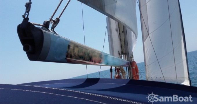 Rental Sailboat in Valencia - Jeanneau Sun Oddissey