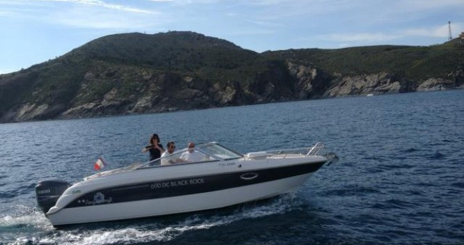Boat rental Pacific Craft Pacific Craft 690 DC in Argelès-sur-Mer on Samboat
