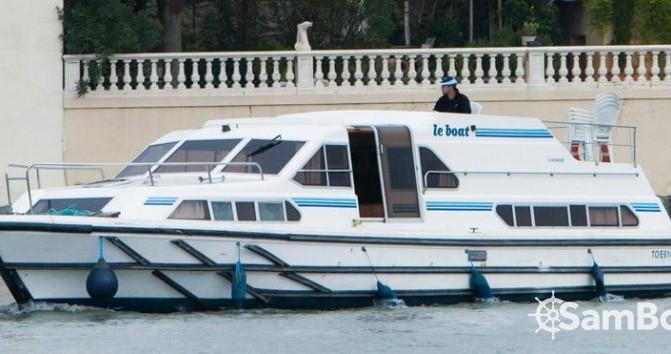 Rental yacht Canal du Midi - Crusader 12.8 on SamBoat