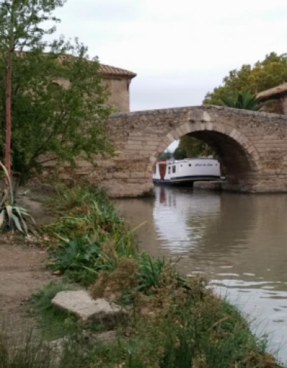 Rental yacht Villedubert - Crusader 12.8 on SamBoat