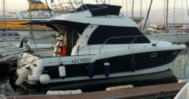 Hire Motorboat with or without skipper Bénéteau Ajaccio
