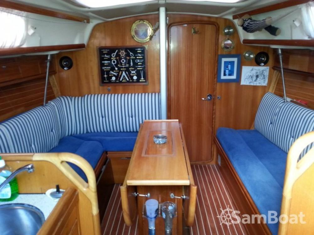Rental yacht Locmiquélic - Bavaria scapolofi 5 on SamBoat