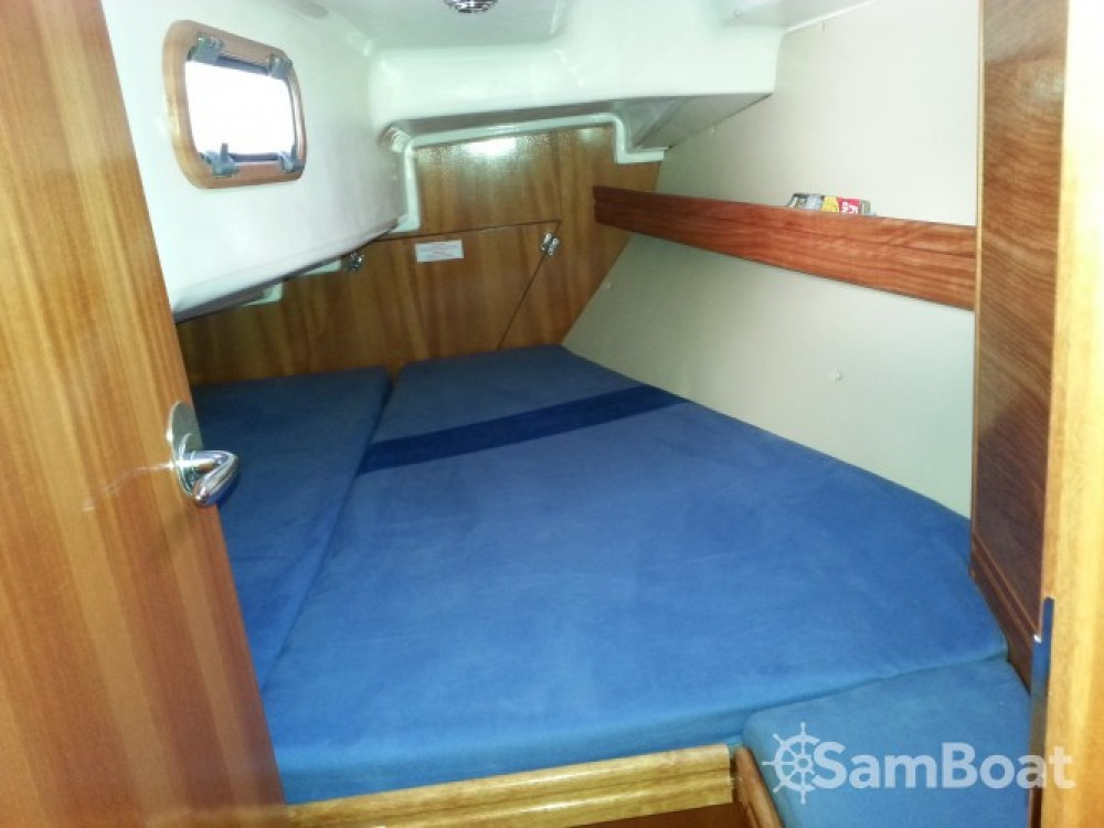 Hire Sailboat with or without skipper Bavaria Locmiquélic
