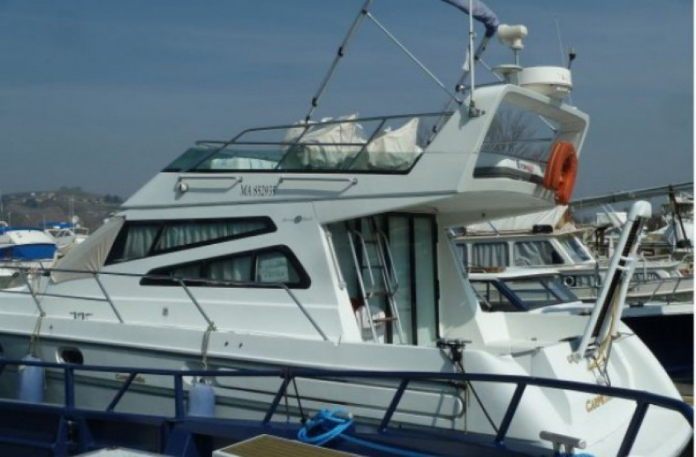 Boat rental Les Roches-de-Condrieu cheap 1107 Yacht flybrige