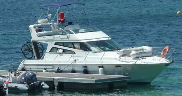 Boat rental Arcoa 1107 Yacht flybrige in Les Roches-de-Condrieu on Samboat