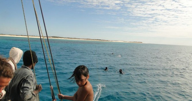 Sailboat for rent Morondava at the best price