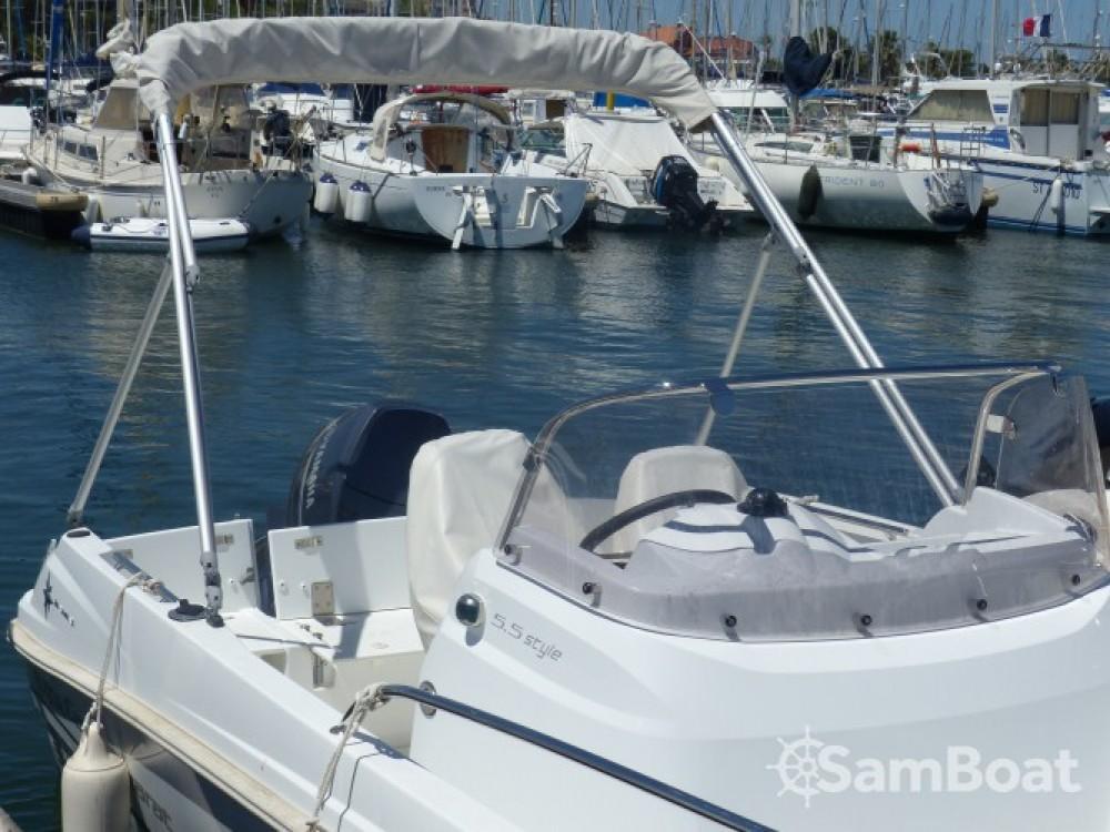 Boat rental Jeanneau Cap Camarat 5.5 CC Serie 2 in Saint-Cyprien on Samboat