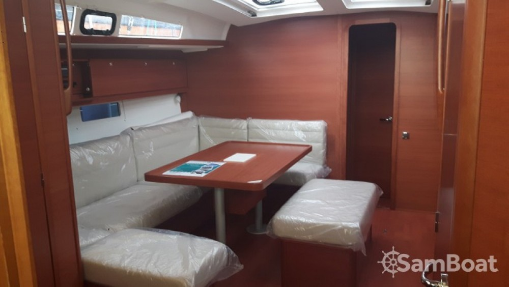 Hire Sailboat with or without skipper Dufour Tarente
