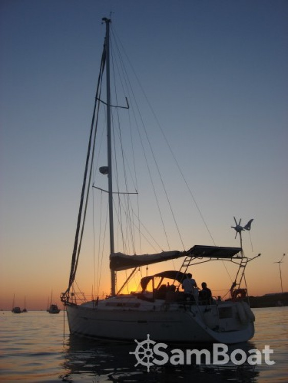 Sailboat for rent Arradon at the best price