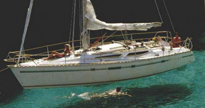 Boat rental Jeanneau Voyage 11.20 in La Forêt-Fouesnant on Samboat