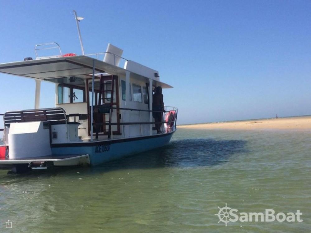 Boat rental Nomad 43 in Lège-Cap-Ferret on Samboat