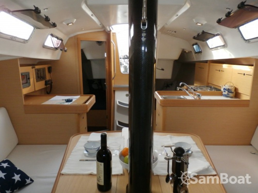Rental Sailboat in Palamós - Bénéteau First 34.7